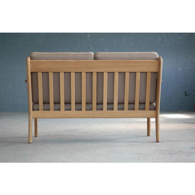 Oak Hans Wegner Loveseat or Settee Model GE-265 for GETAMA, Denmark For Sale - Image 7 of 9