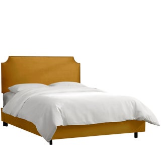 King Notched Nail Button Bed in Monaco Citronella