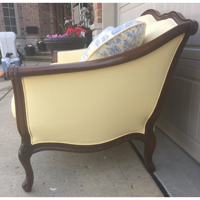 Vintage Bernhardt French Louis XV Style Settee For Sale - Image 9 of 11