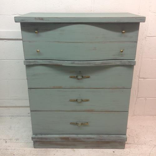 1950's Serpentine 4 Drawer Dresser - Image 2 of 5