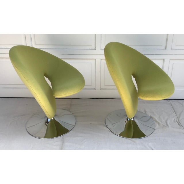 Memphis 1980s Vintage Post Modern Spiral Chairs- A Pair For Sale - Image 3 of 8