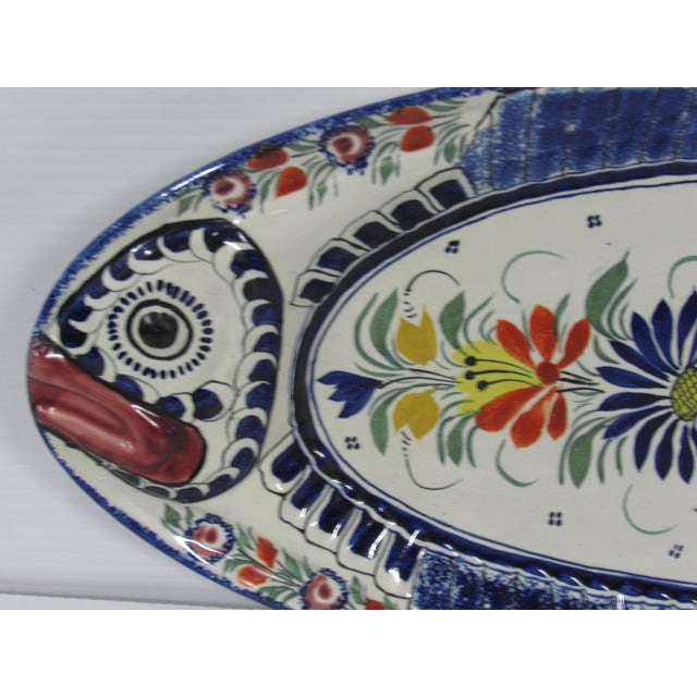 French Mid-Century French Henriot Quimper Fish Service Set - Set of 8 For Sale - Image 3 of 10