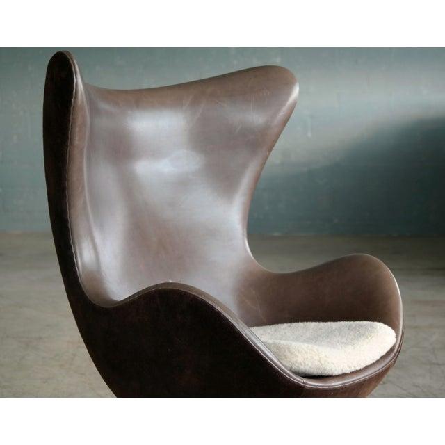 Fritz Hansen Golden Egg Chair Special Anniversary Edition by Fritz Hansen For Sale - Image 4 of 11