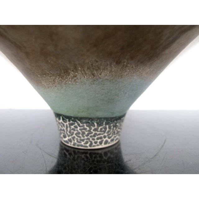 Kathy Erteman American Nyc Studio Pottery Conical Reflective Bowl Cup For Sale - Image 4 of 7