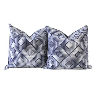 Pair of Blue and White Designer Down Pillows - Amazing Maze For Sale