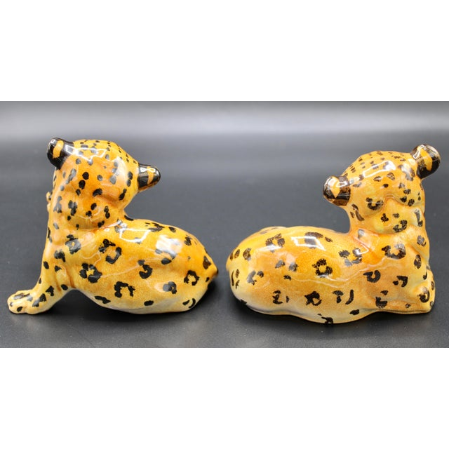 Orange Mid-20th Century Italian Mottahedeh Terra Cotta Leopards - a Pair For Sale - Image 8 of 13