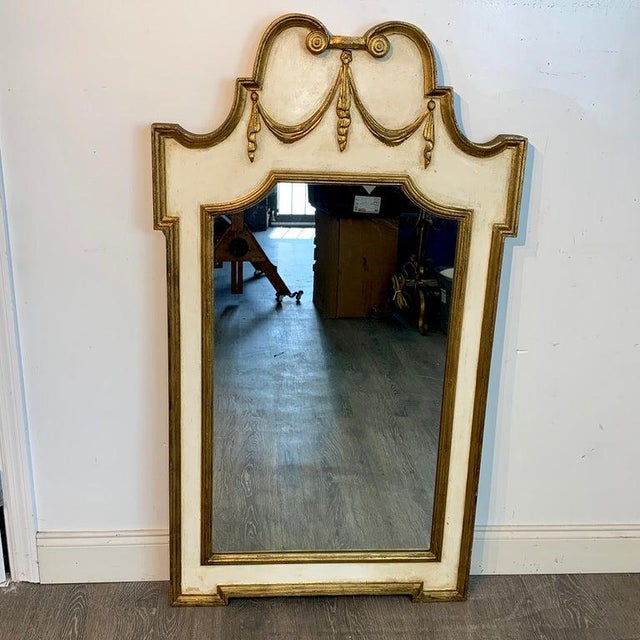 Neoclassical Italian Neoclassic Giltwood and Parcel Gilt Mirror For Sale - Image 3 of 11