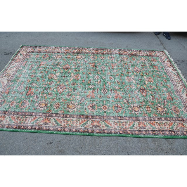 Art Deco 1960s Turkish Tribal Handwoven Beige and Green Wool Floor Rug For Sale - Image 3 of 7