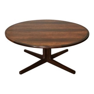 Impeccable Hans C. Andersen Danish Rosewood Round Coffee Table For Sale