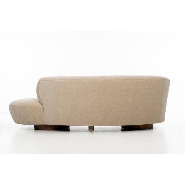 Vladimir Kagan Cloud Sofa For Sale In New York - Image 6 of 13