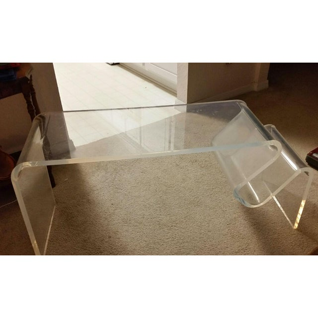 1970s Vintage Plexiglass Coffee Table - Image 3 of 3