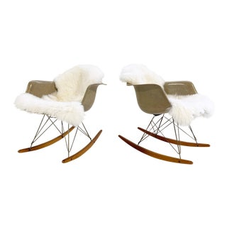 1950s Mid-Century Modern Charles and Ray Eames for Herman Miller Rar Rocking Chairs - a Pair For Sale