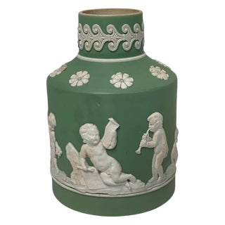 18th Century Wedgwood Olive Jasperware Tea Caddy, Lacking Cover For Sale