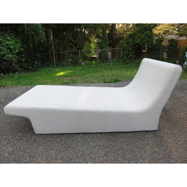 Vladimir Kagan-Style Sculptural Chaise Lounge - Image 9 of 10