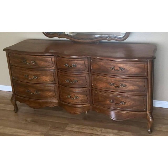 Vintage Broyhill French Provincial Dresser - Image 3 of 11