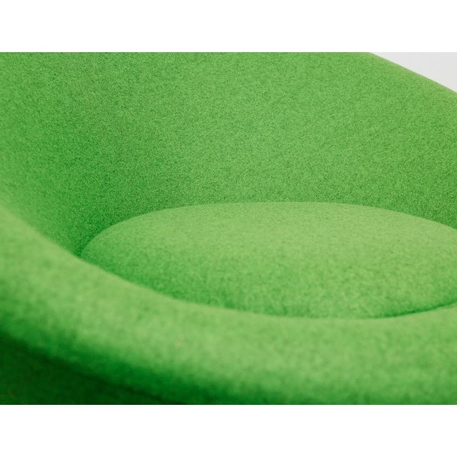 Green Mushroom Chair by Pierre Paulin for Artifort For Sale - Image 8 of 10