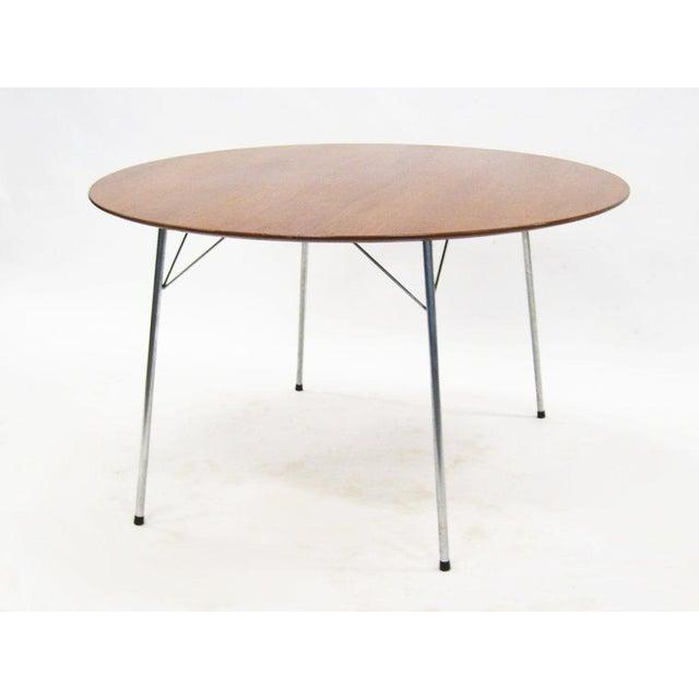 Model 3600 dining table by Arne Jacobsen for Fritz Hansen - Image 7 of 7