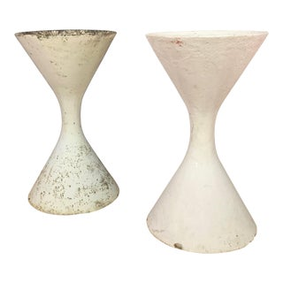 1960s Vintage Willy Guhl Diablo Hourglass Planters- A Pair For Sale