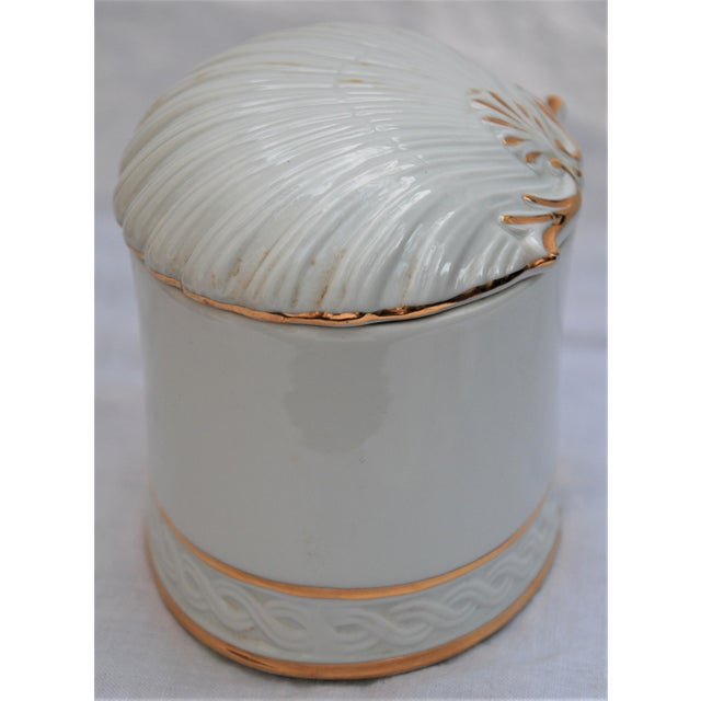 Vintage White and Gold Porcelain Box With Seashell Lid - Image 7 of 9