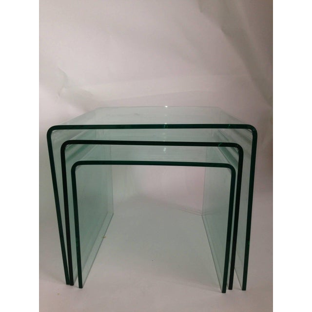 1970s 1970s Mid-Century Modern Fiam Italia Bent Glass Nesting Tables - Set of 3 For Sale - Image 5 of 6