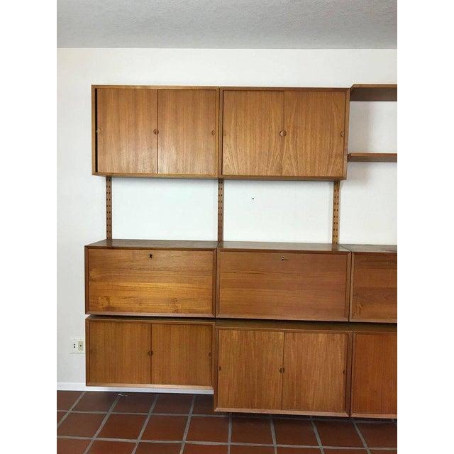"Wood 1960s Danish Poul Cadovius ""System Cado"" Teak Floating Modular Wall Shelf System For Sale - Image 7 of 13"