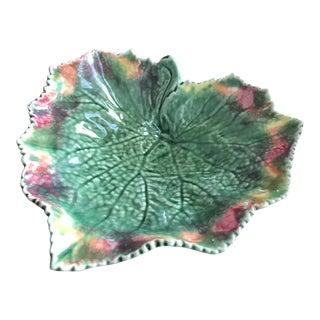 20th Century Bordallo Pinheiro Green Leaf Majolica Plate For Sale