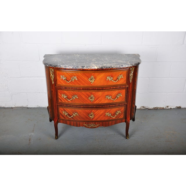 Antique French Louis XV Mahogany Inlay Marquetry Large Commode W/ Marble Top For Sale - Image 13 of 13