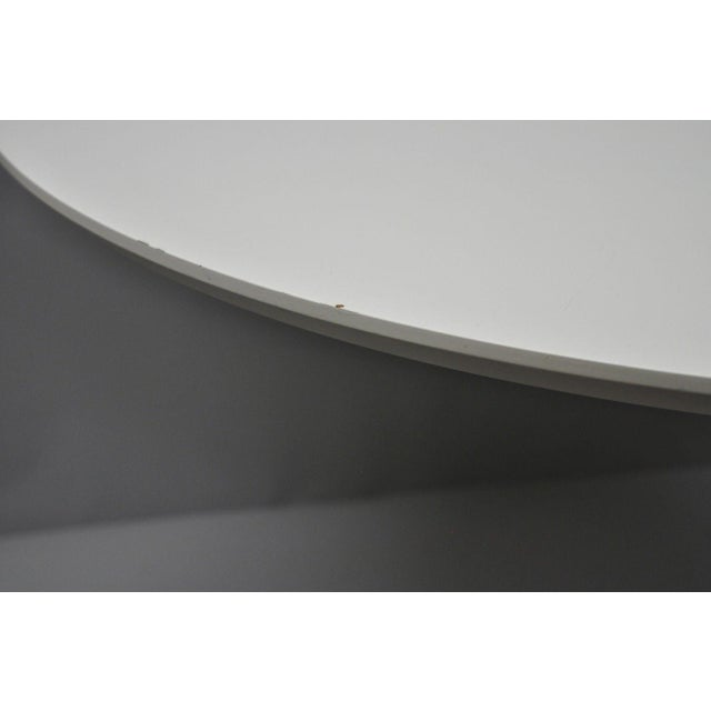 """Contemporary Modern White Saarinen Style Tulip Base 47"""" Round Dining Table For Sale - Image 9 of 12"""