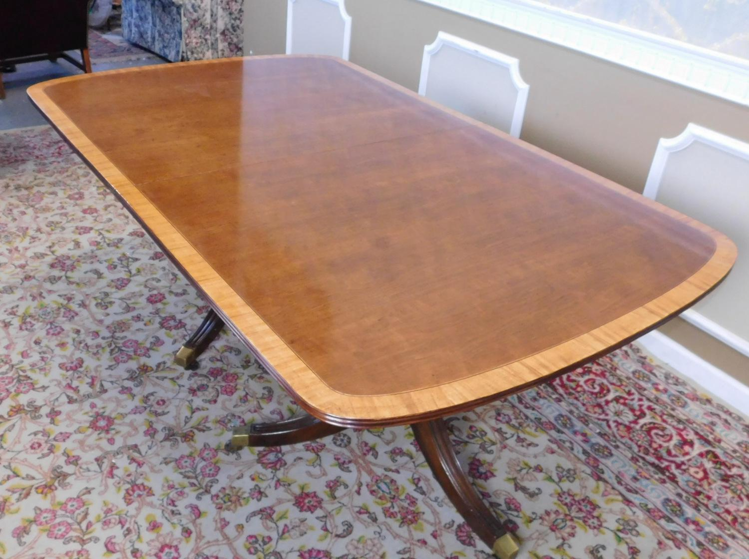 Fine Dining Room Tables: Fine Banded Mahogany Henredon Fine Furniture Double Pedestal Dining Room Table W/ 3 Leaves