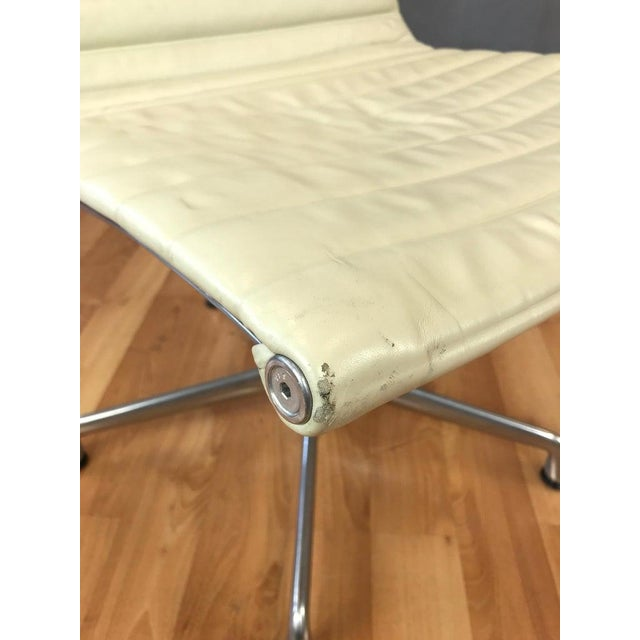Eames Aluminum Group Side Chair for Herman Miller For Sale In San Francisco - Image 6 of 13