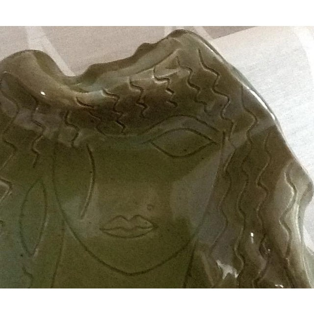 """Hand-Made """"Cleopatra"""" Pottery Sculptural Dish - Image 3 of 6"""