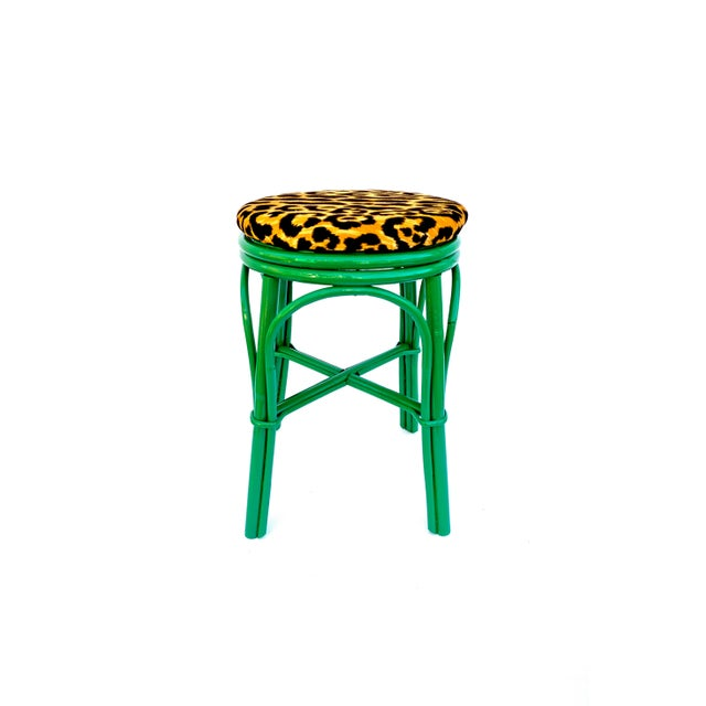1960s Vintage Emerald Green & Leopard Velvet Rattan Bamboo Accent Stool For Sale - Image 5 of 12