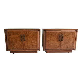 Mid-Century Mahogany Burl Wood Side Tables by Heritage Furniture – a Pair For Sale