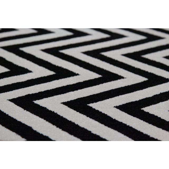 "Black and White Chevron Rug - 5'3"" x 7'4"" - Image 4 of 6"