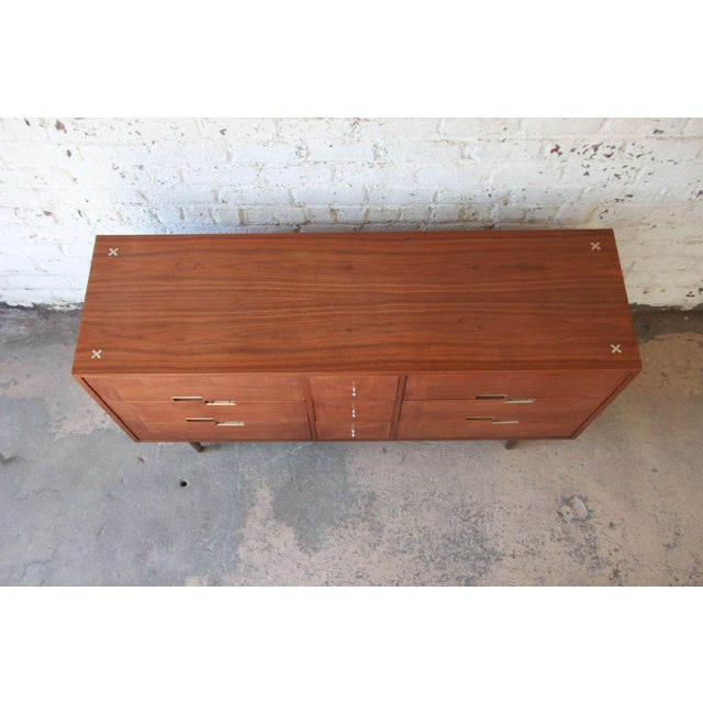 Merton Gershun for American of Martinsville Mid-Century Modern Walnut Long Dresser or Credenza For Sale In South Bend - Image 6 of 11