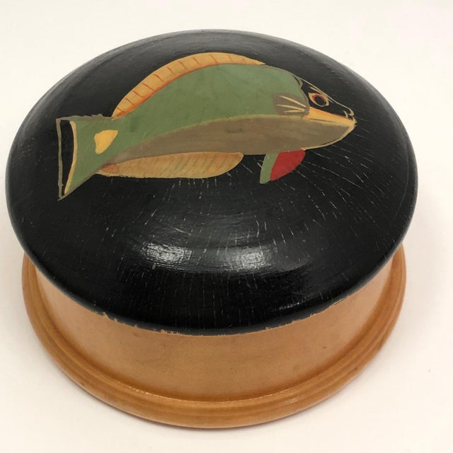 Green Late 20th Century Hand-Painted Fish Round Wooden Trinket Box For Sale - Image 8 of 13