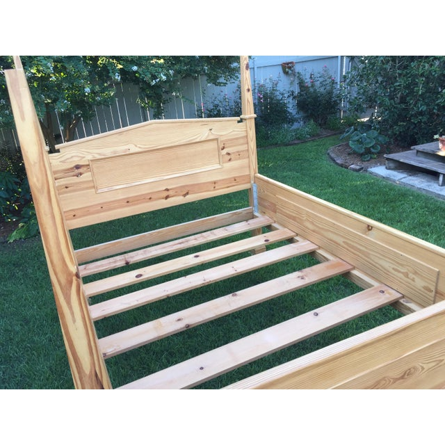 1990s Vintage Custom-Built Natural Pine Queen Bed For Sale - Image 4 of 10