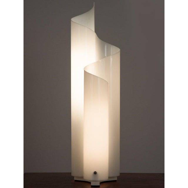 Postmodern Mid 20th Century Vico Magistretti Mezzachimera Lamp For Sale - Image 3 of 11