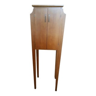 1980s Contemporary Ethan Allen Maple Curio Cabinet For Sale