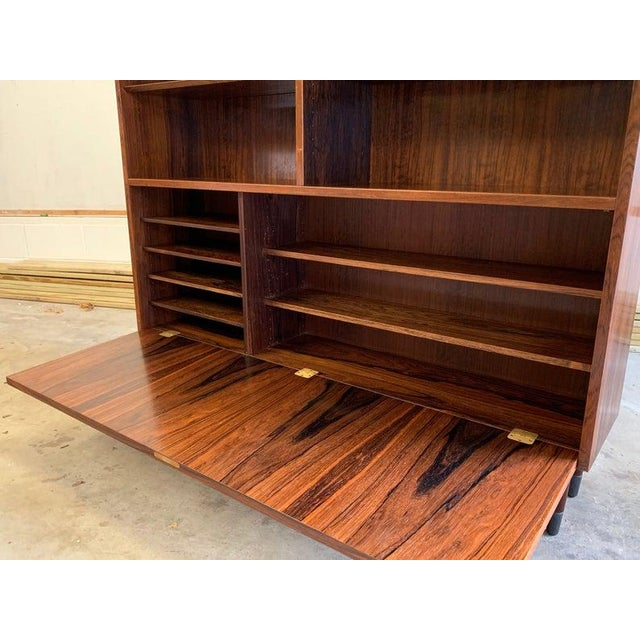 Danish Mid Century Modern Rosewood Bookcase / China Cabinet For Sale In New York - Image 6 of 11