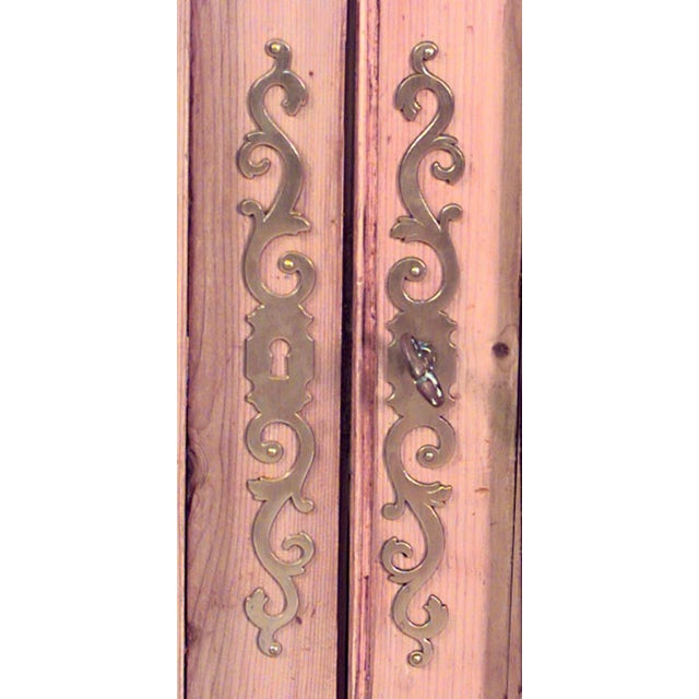 Country Pair of Turn of the Century English Country Stripped Pine Bookcase Cabinets For Sale - Image 3 of 5