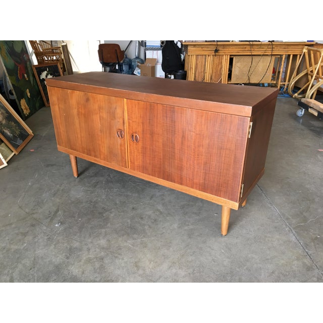 Wood Danish Modern Rose Stained Credenza Cabinet W/ Sculpted Pig Nose Pulls For Sale - Image 7 of 7
