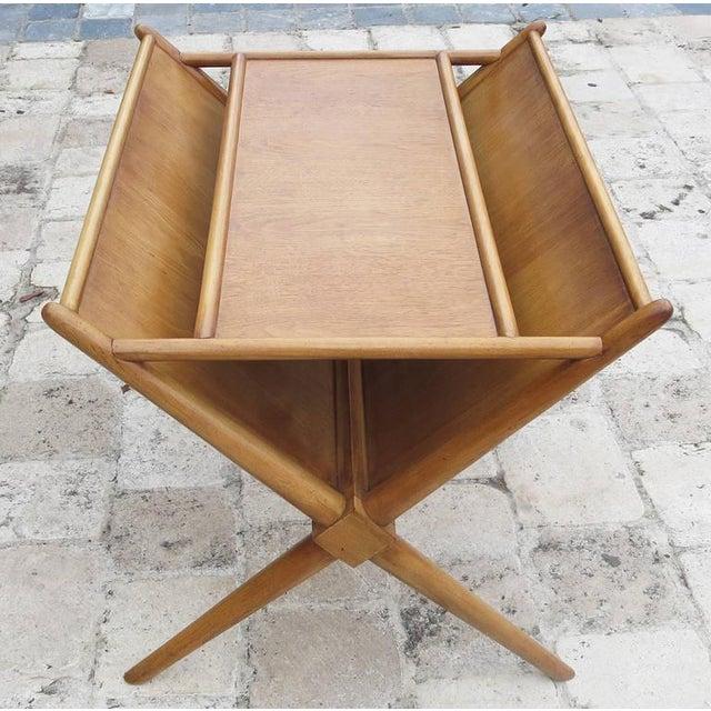 Brown 1950s t.h. Robsjohn-Gibbings for Widdicomb Magazine Table For Sale - Image 8 of 8