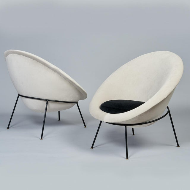 1950s 1950s Vintage Velvet and Lacquered Metal Egg Chairs- A Pair For Sale - Image 5 of 10