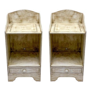 Pair of Gustavian Style Painted Side Tables / Nightstands For Sale