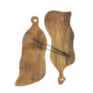 Boho Chic Hand-Carved Mango-Wood Bread Boards With Tongs - Set 3 For Sale