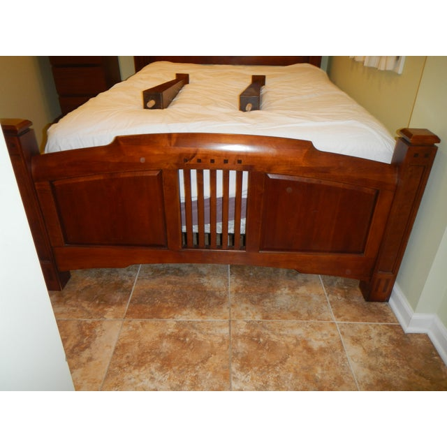 Thomasville Queen Size Cherry Bed - Image 7 of 8