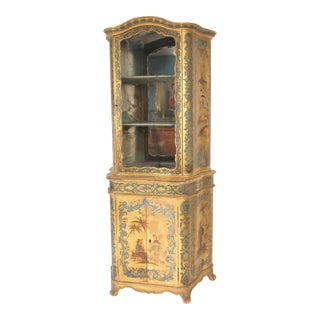 Italian Louis XV Style Chinoiserie Decorated Display Cabinet For Sale