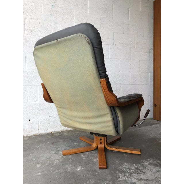 Metal Vintage Mid Century Modern Scandinavian Lounge Chair & Ottoman For Sale - Image 7 of 13