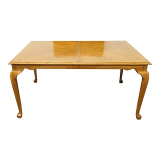 20th Century Traditional American Drew Bookmatched Oak Dining Table For Sale
